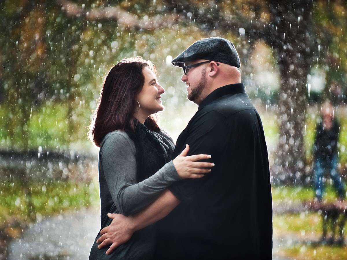 Engagement-Boston-Common-Rainy-Day.jpg