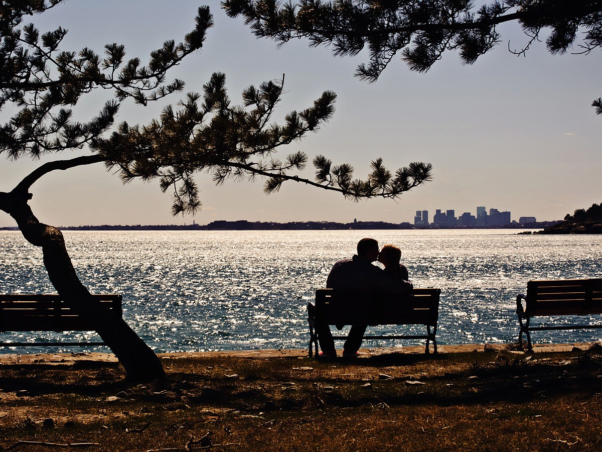 Engagement-Boston-Skyline-Beach.jpg