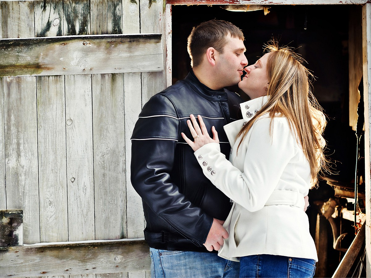 Engagement-Winter-Barn-Woods.jpg