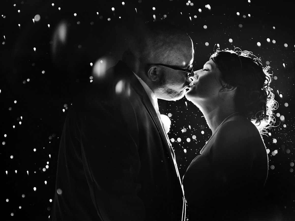 Weddings-Night-Shot-BW-Bridal-Portrait-in-Rain-Kiss.jpg