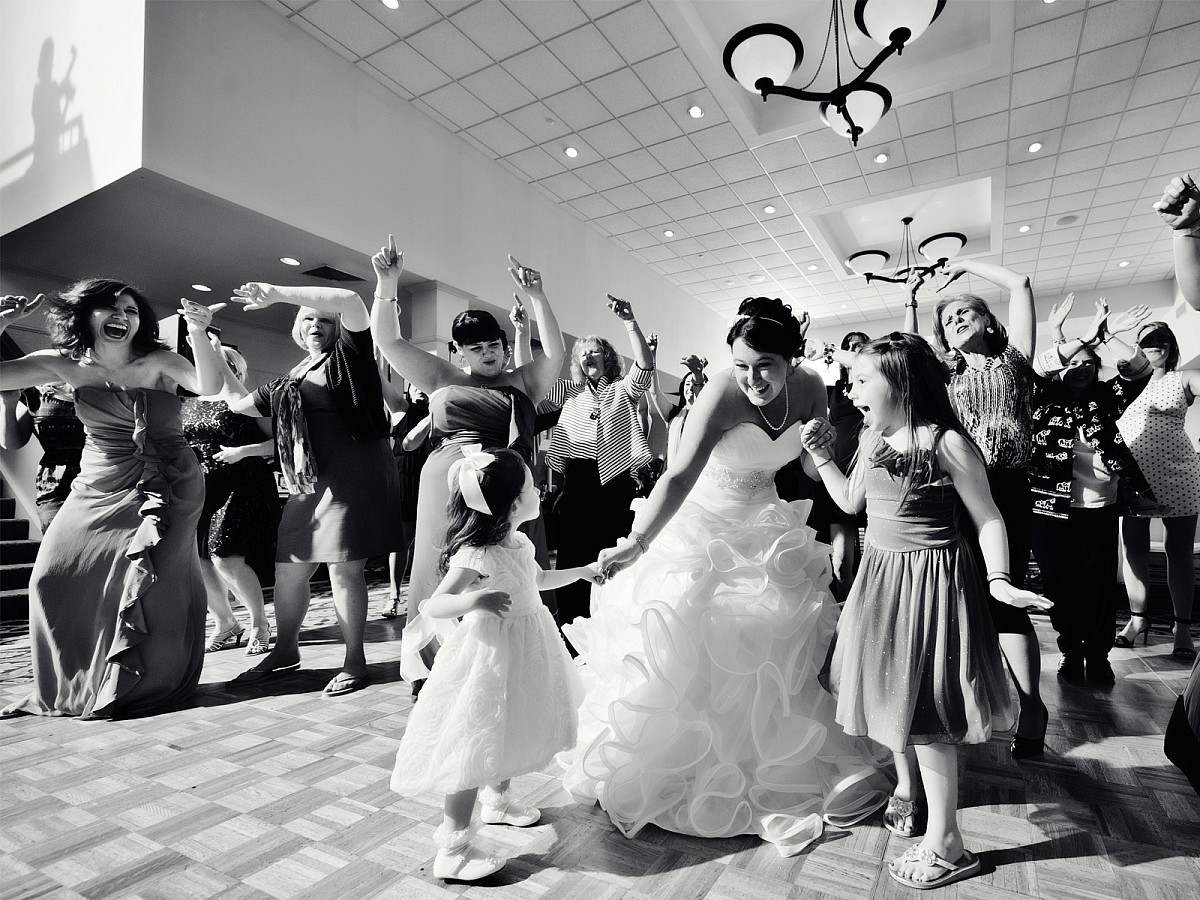 Weddings-Reception-Dancing-Bride-Black-and-White.jpg