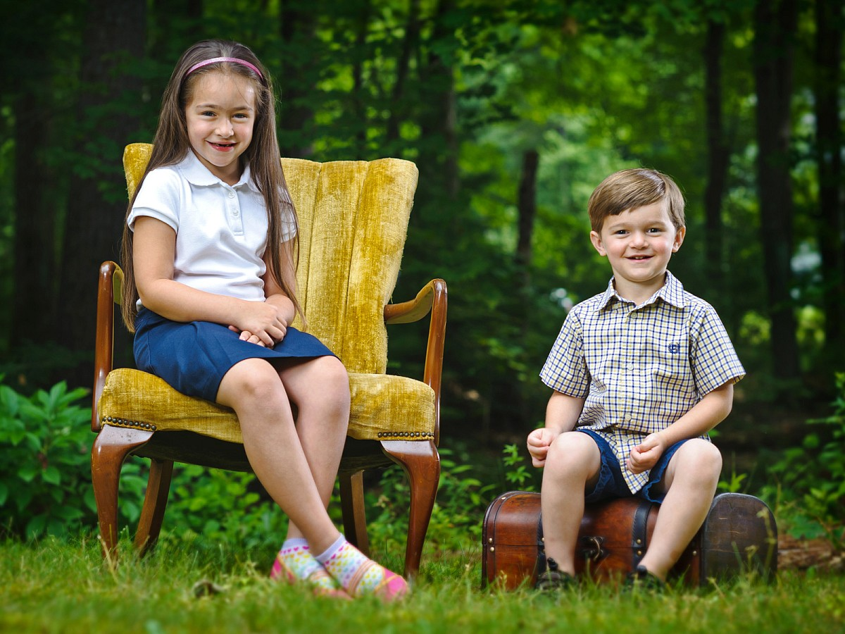 Lifestyle-Family-Children-Sibling-Grass-Woods-Portrait.jpg