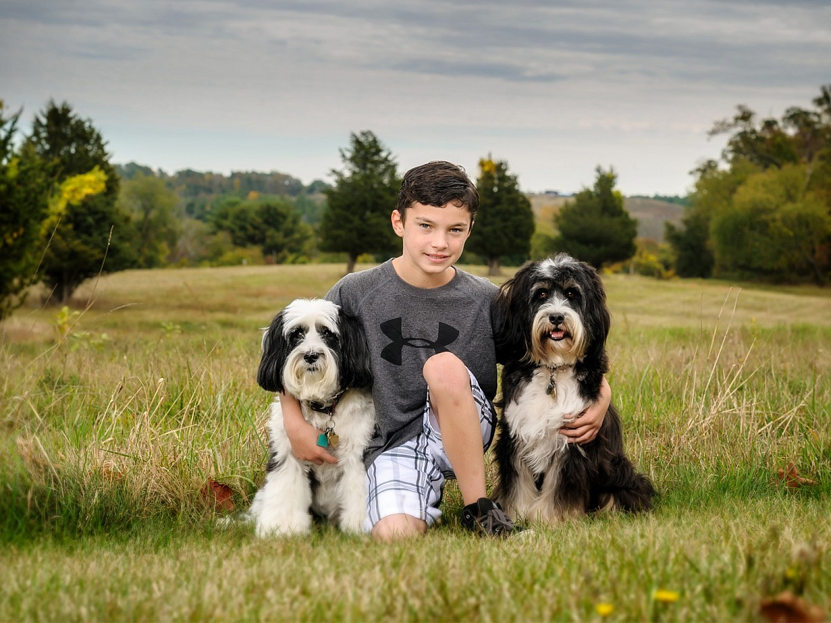 Lifestyle-Family-Dog-Boy-Pet-Portrait.jpg