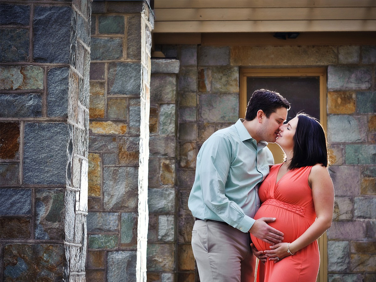 Lifestyle-Maternity-Couples-Close-Up-Portrait.jpg