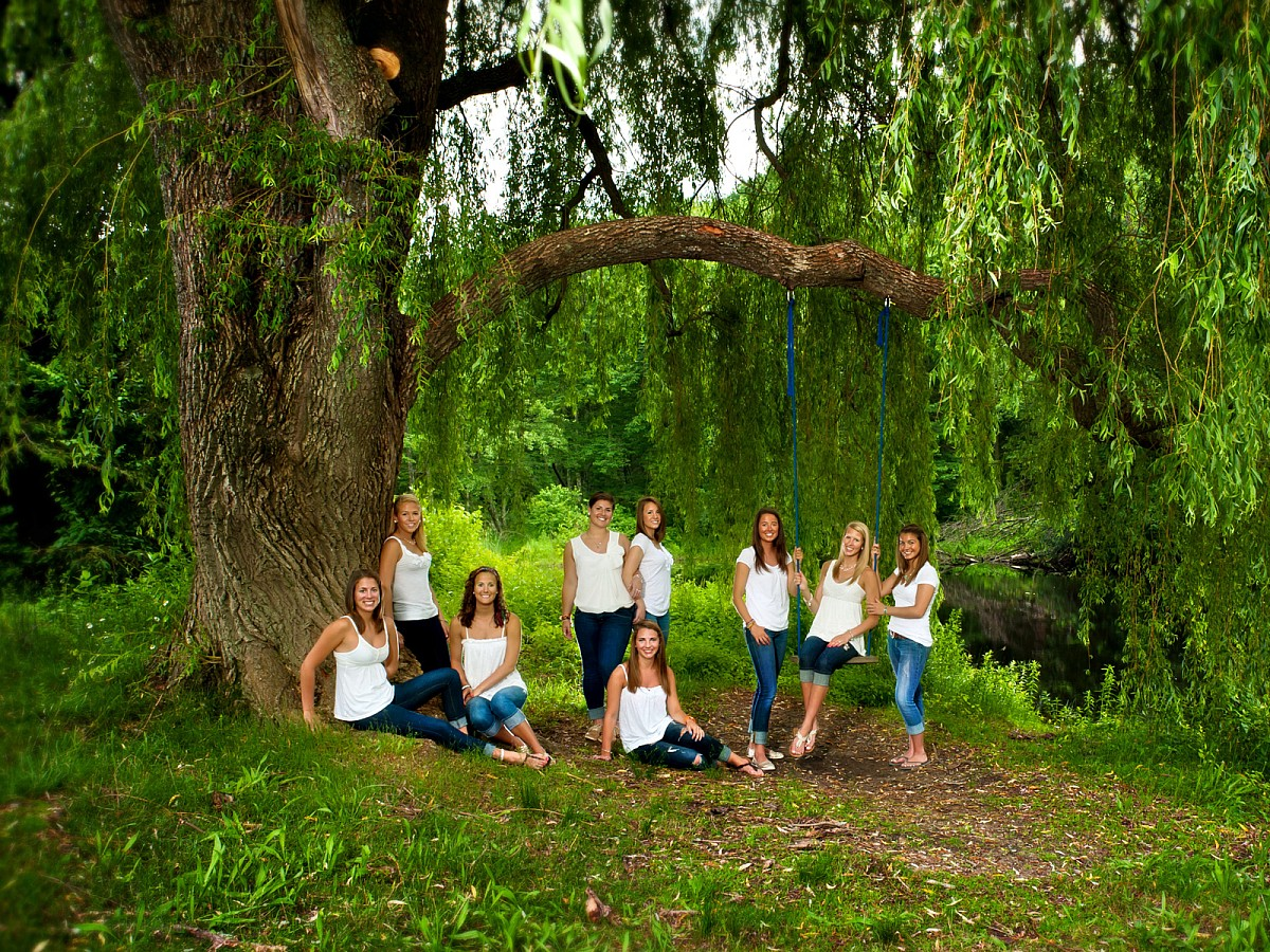 Lifestyle-Senior-Group-Portrait-Park-Tree-Swing.jpg